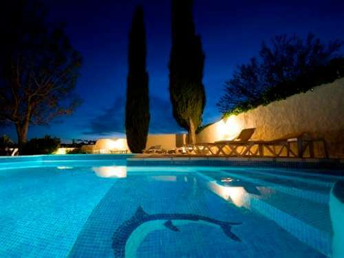 Provence Pool in der Nacht