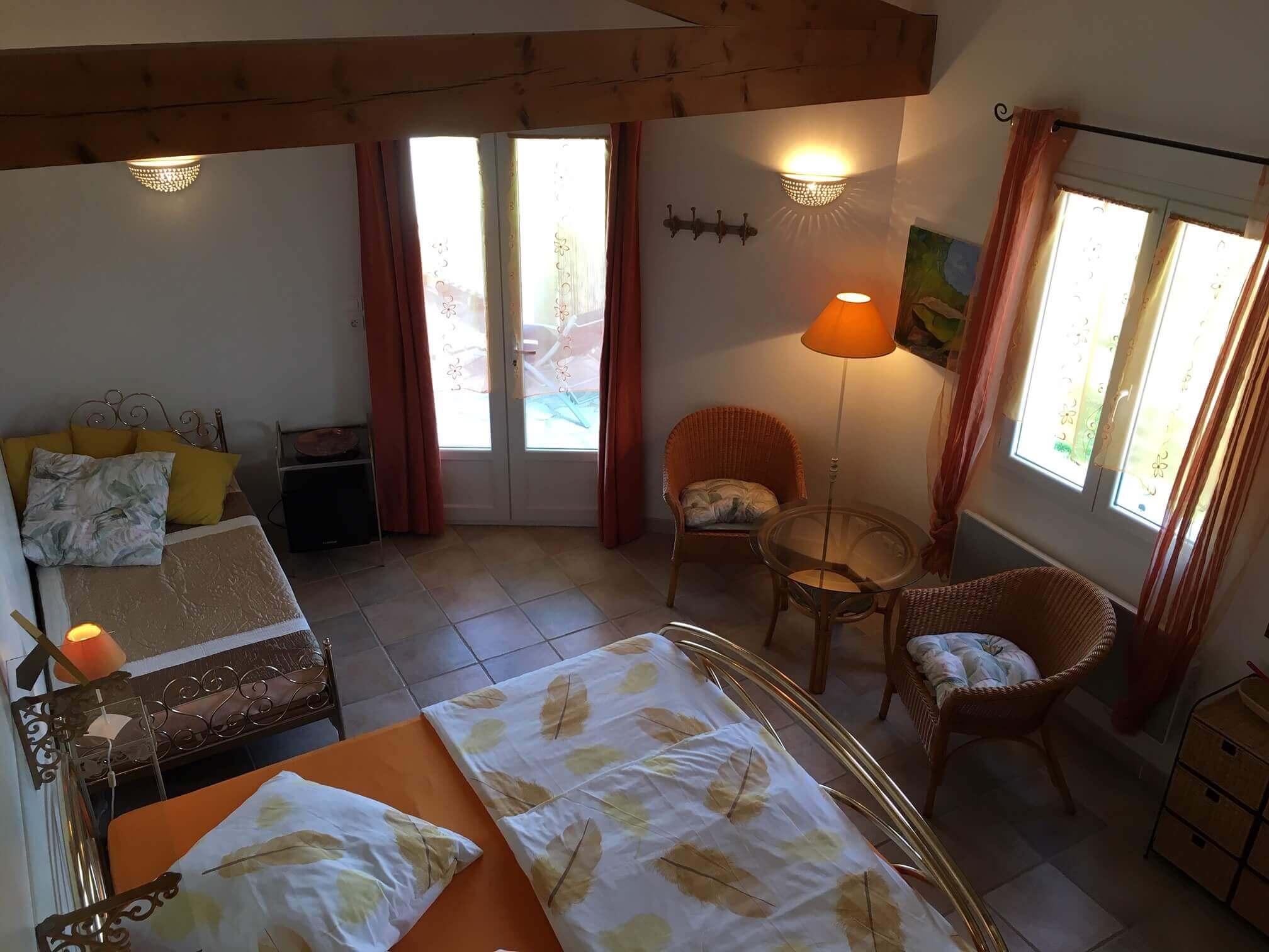 Chambre au premier étage pour deux à quatre personnes.